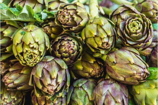 Anghinare: proprietati beneficii contraindicatii http://amoor.ro  Anghinarea este o planta care este intrebuintata atat in scop medicinal cat si ca ingredient in numeroase retete de salate.