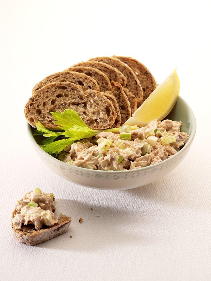 Meergranenstokbrood met zelfgemaakte tonijnsla