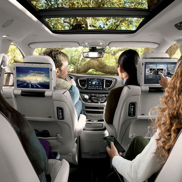 2017 Chrysler Pacifica Touring Interior