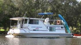 Luxury Houseboat for hire #Bulahdelah #HouseBoat #HouseBoatHolidays  www.ozehols.com.au/10811