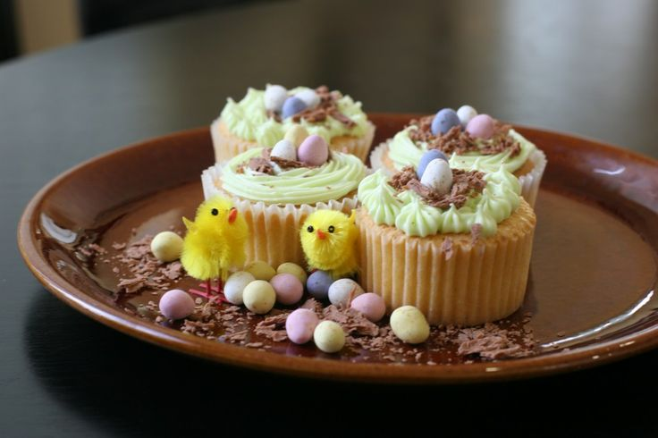 sweets & treats   Easter Cupcake Decoration