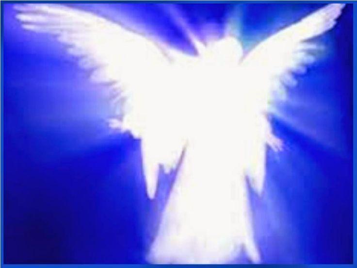 Ángel que me guardas, mi amado Ángel Custodio, protégeme del temor, alivia mi miedo, aplaca mi inseguridad. Dame fuerzas para...