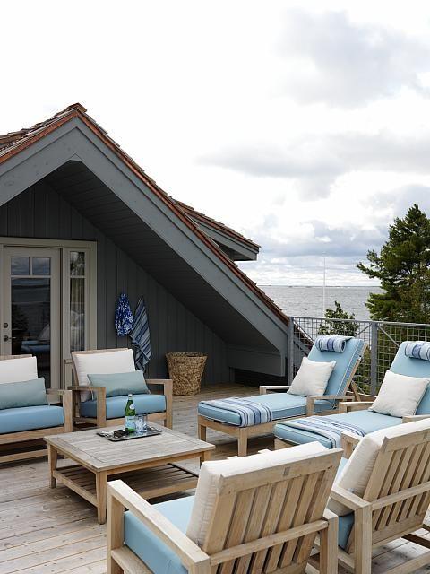 Sarah Richardson Design - Sarah's Summer Cottage/House (Master Bedroom)