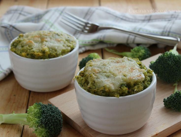 Tortini di polenta e broccoli. I broccoli, c'è chi li ama e chi li odia, eppure contengono molti elementi salutari, benefici per il nostro organismo.