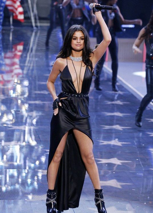 Selena Marie Gomez is an American singer, actress and fashion designer. She was born on July 22, 1992, in Grand Prairie, Texas, United States. In the.......