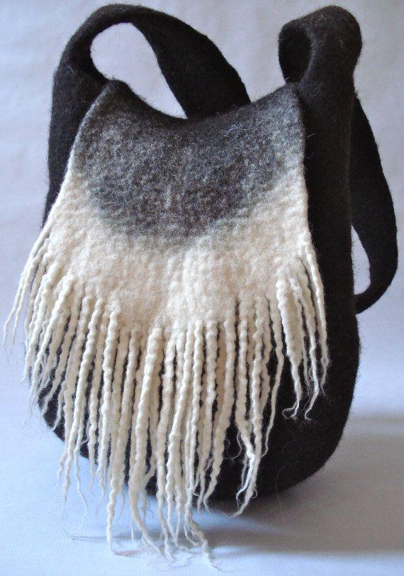Sac en laine naturelle feutrée à la main. par DelEaudanslaLaine, €84.00