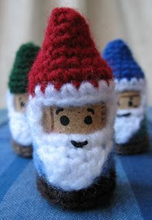LucyRavenscar - Crochet Creatures: Cork and Crochet: Gnomes