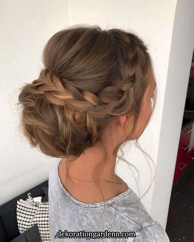 This Gorgeous Wedding Hairstyle Perfect For Every Wedding Season   Check out these pretty wedding hairstyle inspiration,simple wedding hairstyle,elega...