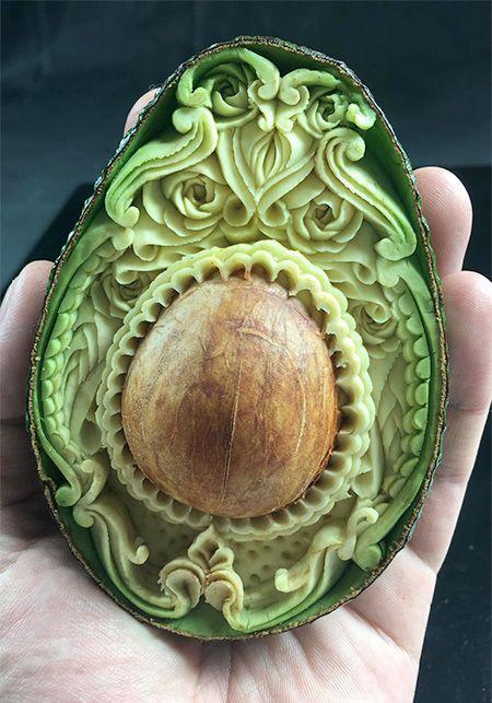Daniele Barresi Avocado Carving