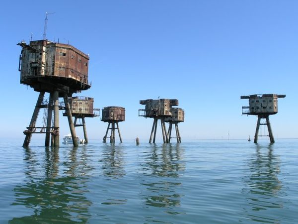 Shivering Sands Army Fort [U7] was a Maunsell army fort built near the Thames estuary for anti-aircraft defence.  The towers were built on land and floated out in 1943. https://en.wikipedia.org/wiki/Shivering_Sands_Army_Fort