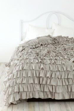 I want a frilly, ruffled comforter like this except a diff color!