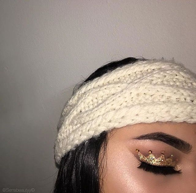 Crown eyeshadow design