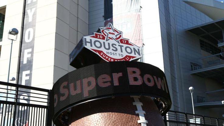 Super Bowl LI Opening Night: Live updates from Yahoo Sports