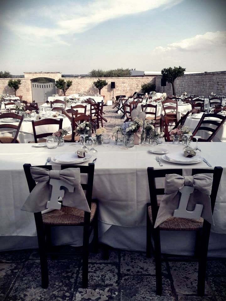 The heart sees what is invisible to the eye.     Waiting for the lovers in Masseria.    #wedding #matrimonio #masseria #masserie #ideas #Apulia #Puglia #countrywedding