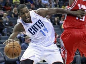 Michael Jordan Defeats Michael Kidd-Gilchrist at One on One