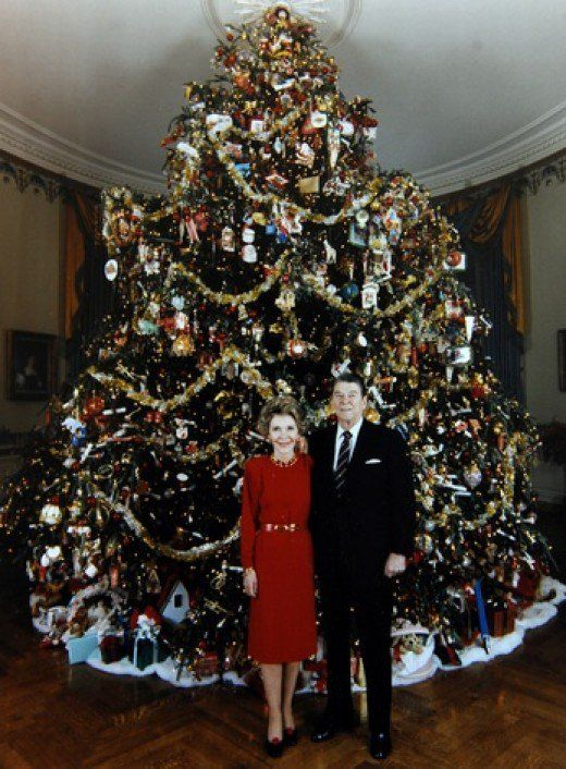 President and Mrs. Ronald Reagan 1981 White House Christmas Tree: https://holidappy.com/holidays/White-House-Christmas
