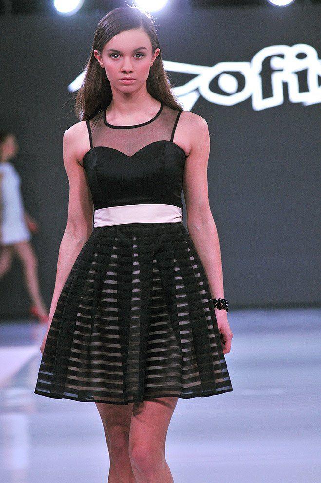 Zofix | Polski producent odzieży damskiej #czarna #mała czarna #wizytowa #paski #pokaz mody