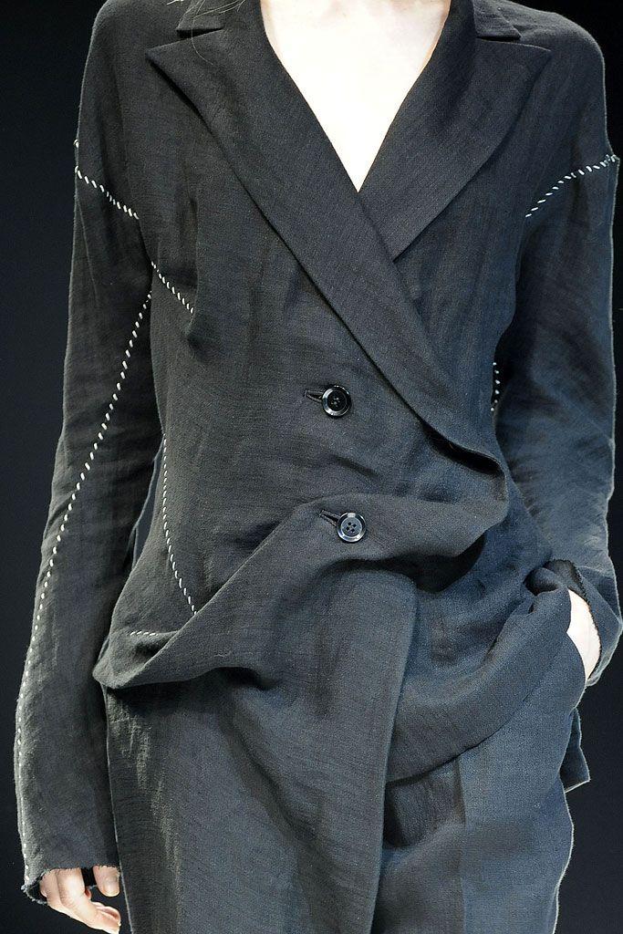 Yohji Yamamoto Spring 2009 Ready-to-Wear - Details - Gallery - Style.com