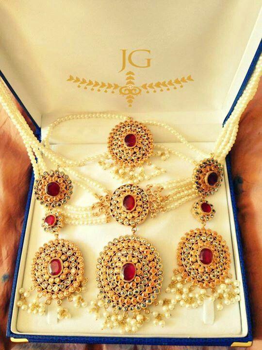 Jewelsngems uk jhoda set. Stunning.