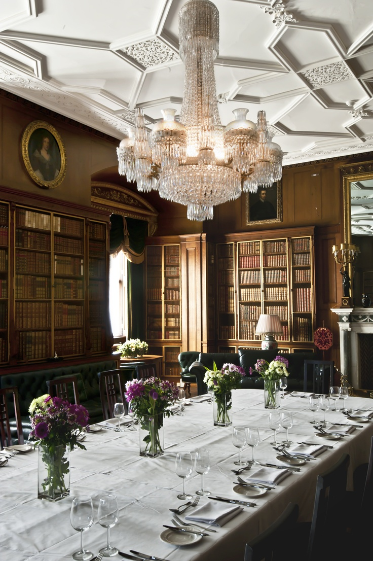 The #LongleatHouse Green Library hosts wooden walls in the traditional Elizabethan panel style, a gorgeous chandelier and, most interestingly of all, floor-to-ceiling book cabinets containing thousands of classics.     This #weddingvenue has a stunning #chandelier which proves to be a popular feature in the room!