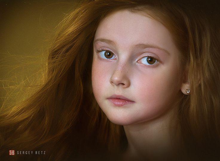 Портреты рыжих девушек Сергея Бетца. В плане ценности, как искусство, наиболее примечательны снятые им прекрасные портреты рыжих девушек. Натуральный рыжий цвет волос — это не просто редкое природное явление, но это и особенность, влияющая на характер человек.