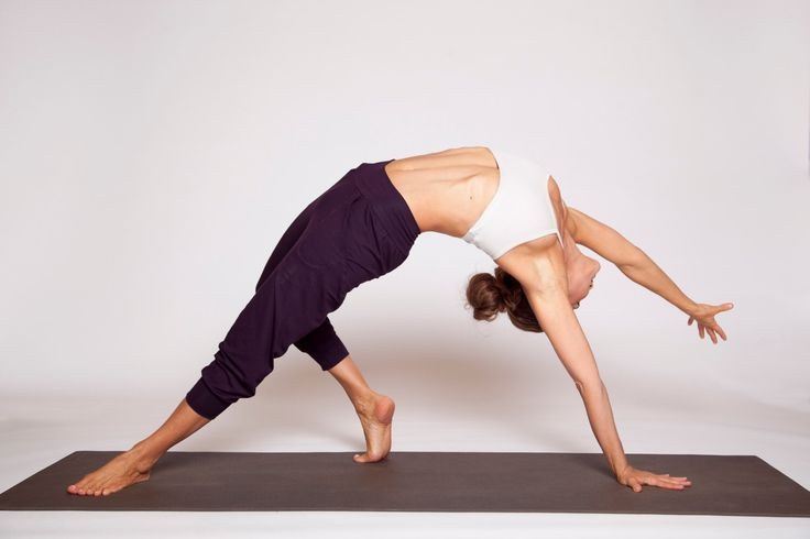 Slouchy Capri Yoga Pants - yoga clothing - workout pants - loose pants - casual pants - yoga wear - gym pants - workout loose pants by Rippleyoga on Etsy https://www.etsy.com/listing/253952246/slouchy-capri-yoga-pants-yoga-clothing