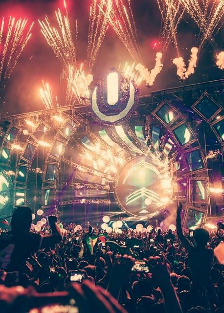 #neverhaveiever been to Ultra Music Festival. So dying to go to this festival! Miami, FL @StudentUniverse