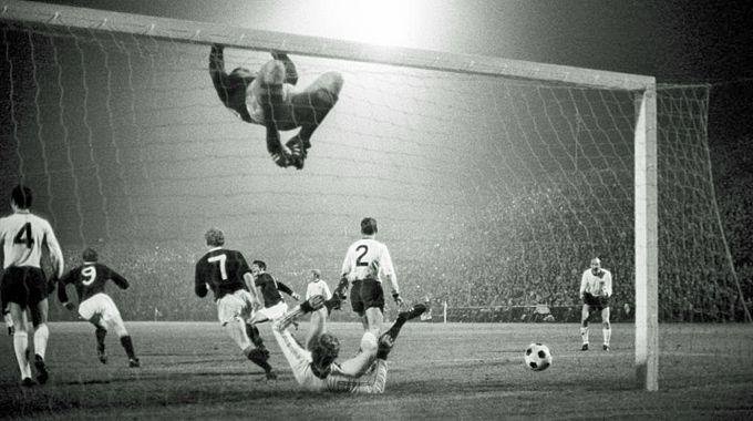 WM Qualifikation 1969 gegen Schottland: Schottland geht in Führung...