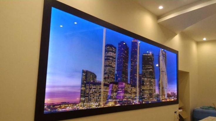 Данный проект выполнен силами нашей компании в июле 2016 г. для частного клиента. Стеклянные панели изготовлены из закаленного стекла 6мм. По проекту дизайнера на стекло нанесен рисунок и сделана подсветка.. Проект реализован в г. Москве, Кожевнический проезд, д. 4/5, стр. 5.