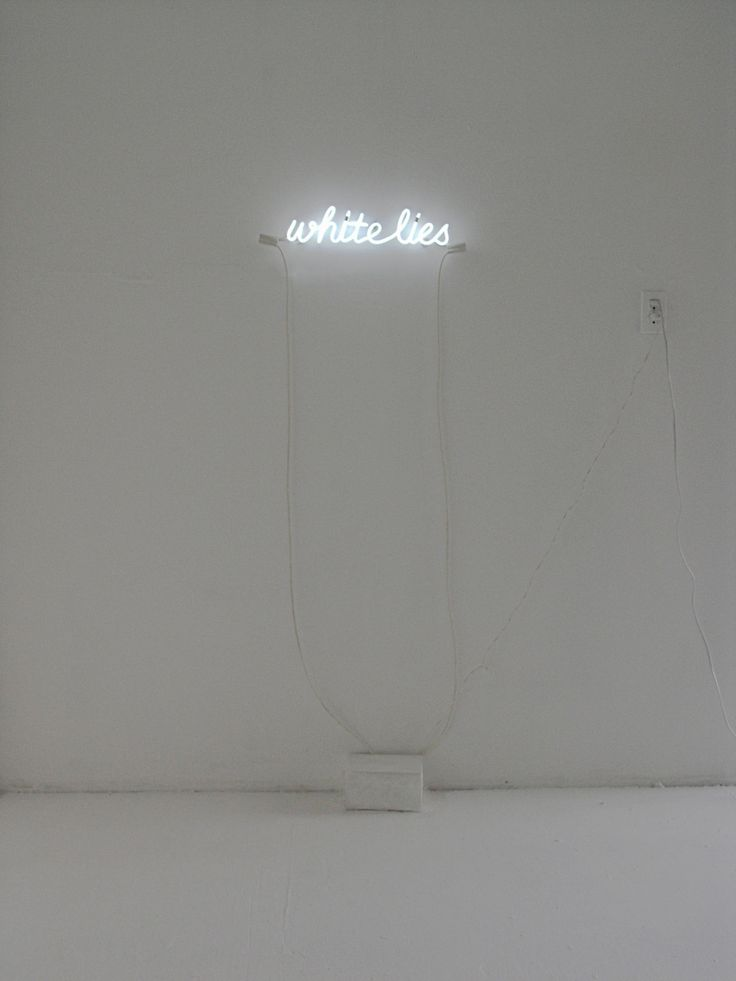 Soledad Arias. (these neon signs seem so ubiquitous, and so... spot on!)