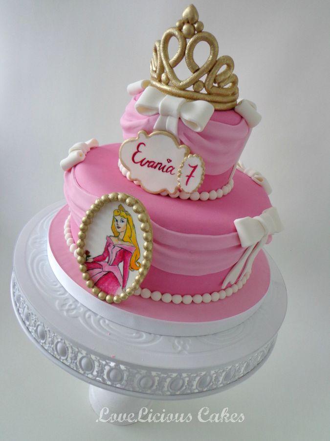 Framed Aurora & Dress Cake with Gold Crown (Evania)
