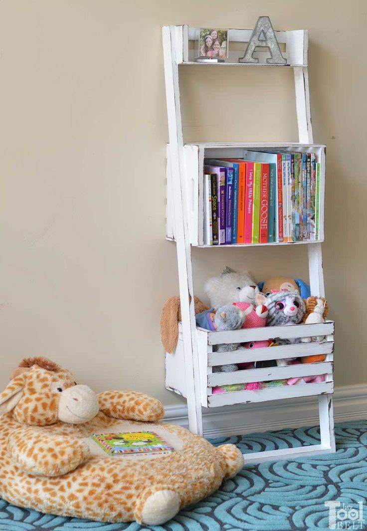 DIY Woodworking Ideas Oh this would be super easy to make. Build a leaning storage and bookshelf with ...