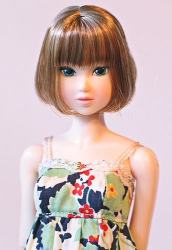 Lacy Modernist ~ may be the prettiest Momoko ~ her facial screening and coloring are exquisite!