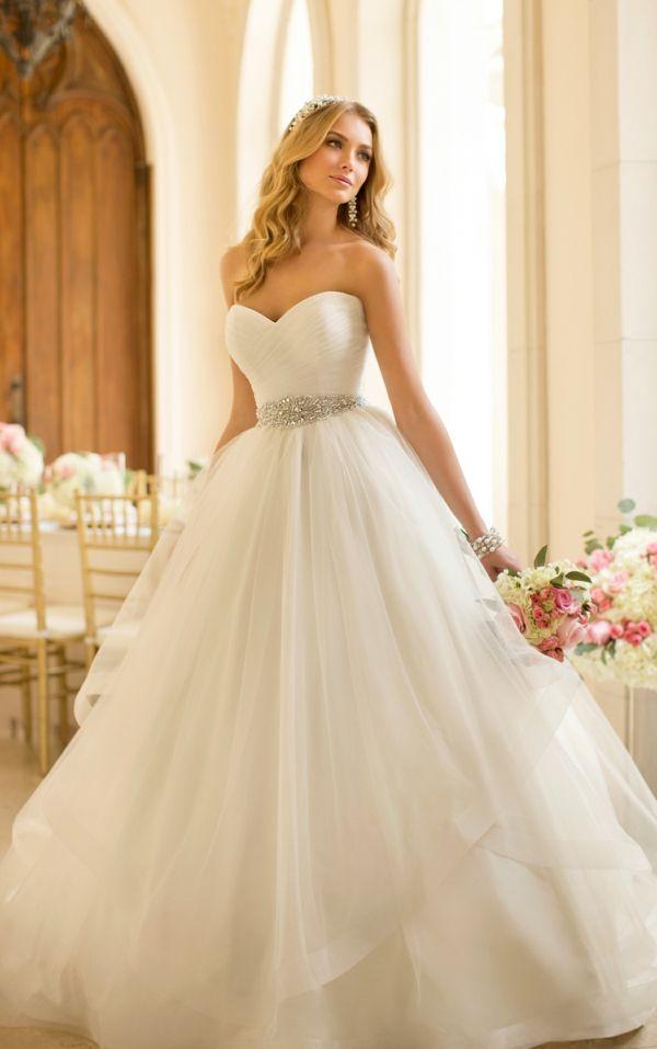 24 best Collectie Romantica 2015 images on Pinterest | Short wedding ...
