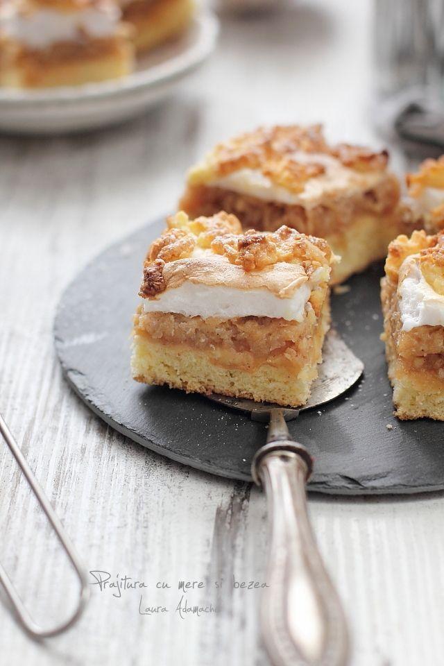 Prajitura cu mere si bezea este una dintre prajiturile cu fructe pe care le mancam in copilarie. Reteta este simpla, va invit sa o incercati!