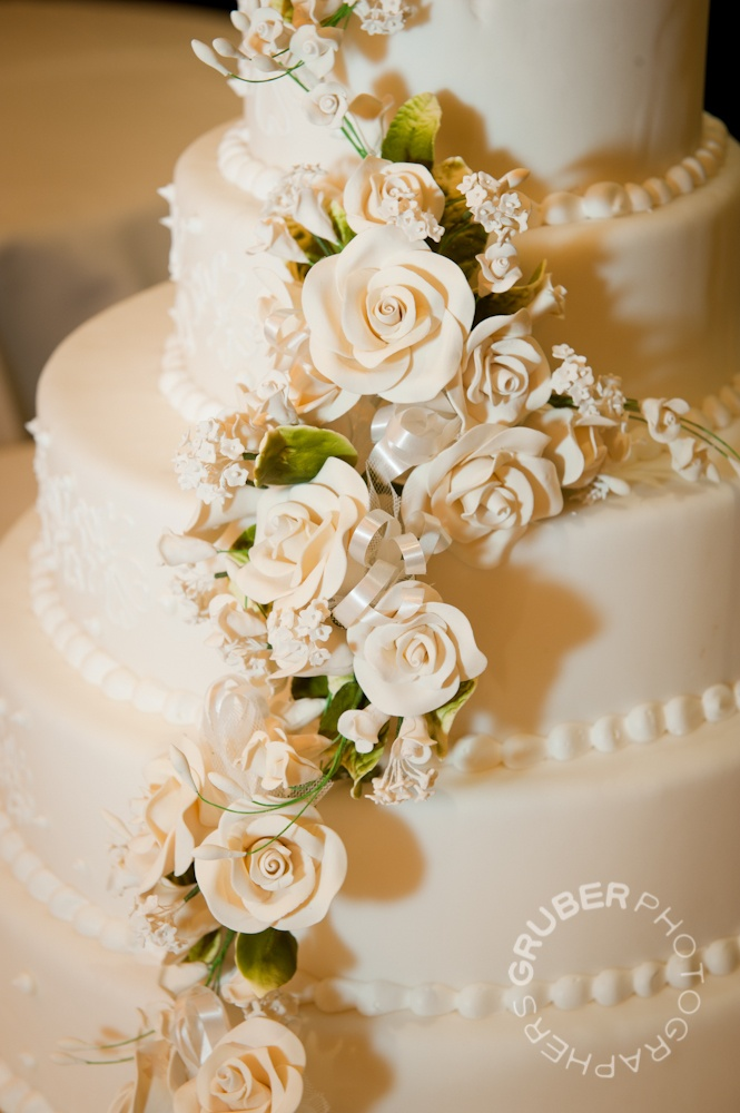 wedding cake with flowers down one side 17 best images about wedding ideas on cake 26880
