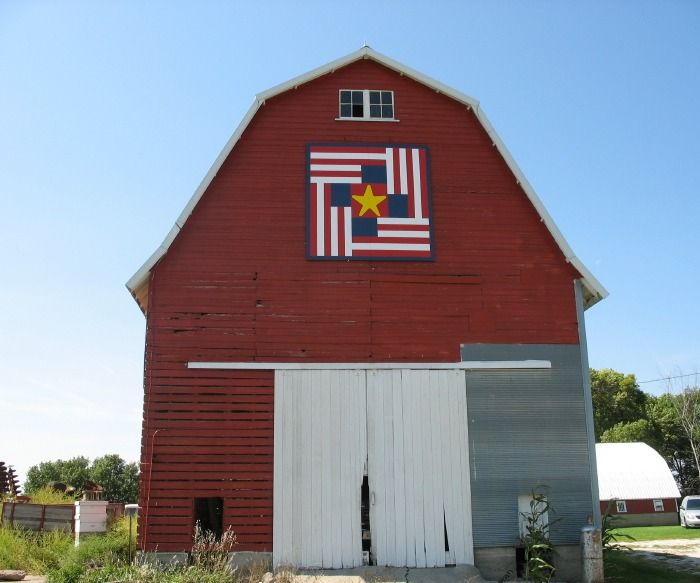 Humboldt County (Iowa) Barn Quilts: Humboldt County quilts included in new book. From iowabarnquilts.com. Example of Iowa folk art.