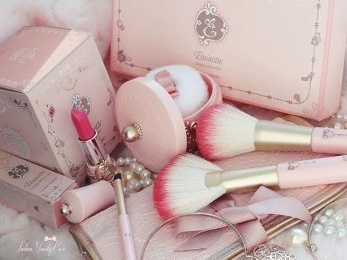 Pretty package with soft color