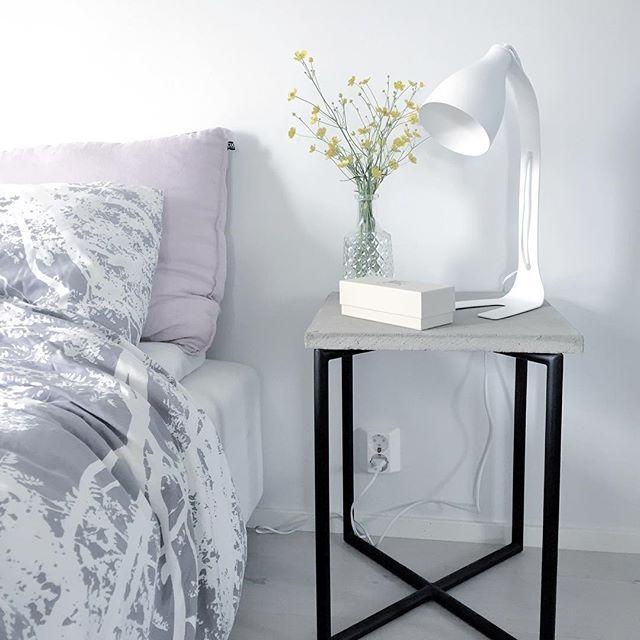 Modern scandinavian bed room table lamp Linn - by Sessak  Photo by @heinassaheiluvassa  #sessak #sessaklighting #interiordesign #tablelamp #sidelamp #design #sisustus #sisustusinspiraatio #interior #interiorinspiration #interiorinspo #scandinaviandesign #scandinavianhome