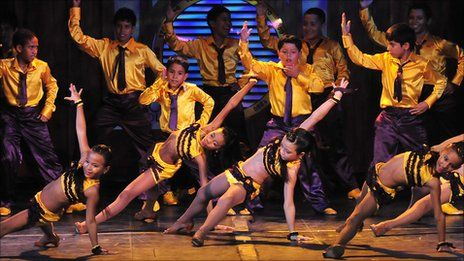 colombia+salsa+dancing | Colombian dance group Delirio spreads Cali-style salsa
