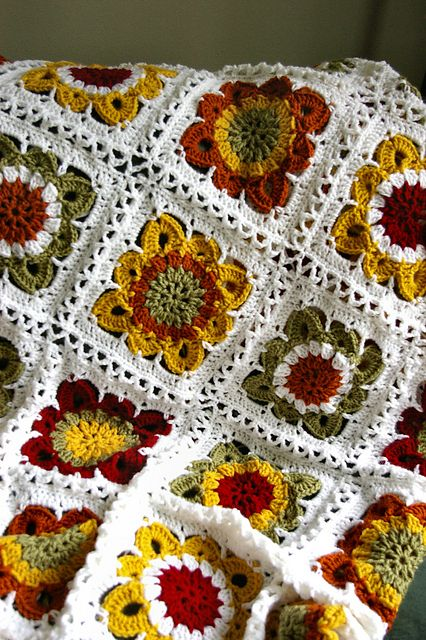 Fall Blanket: Crochet Blankets, Colors Combos, Fall Flowers, Crochet Afghans, Crochet Squares, Colors Schemes, Drop Design, Granny Squares, Crochet Patterns