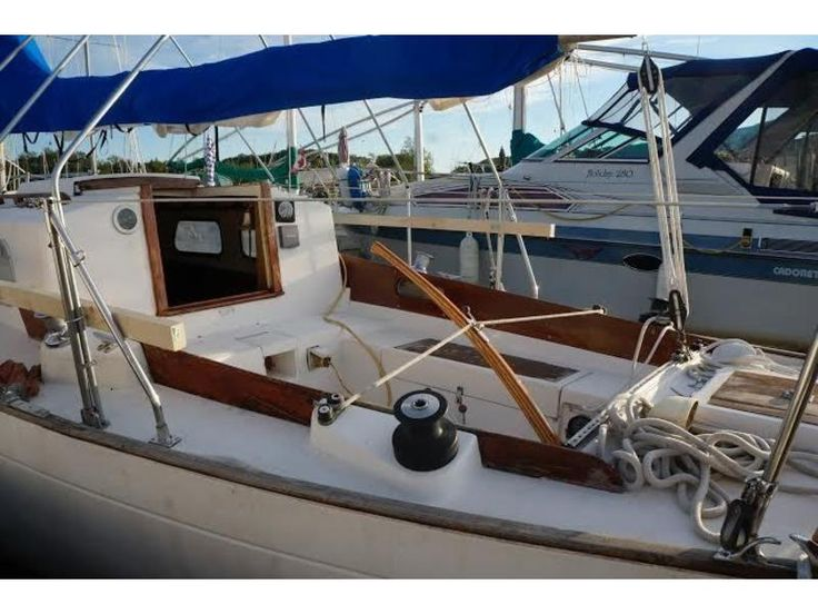 1975 Whitby Boat Works Ltd 30 $9,500 - Midland