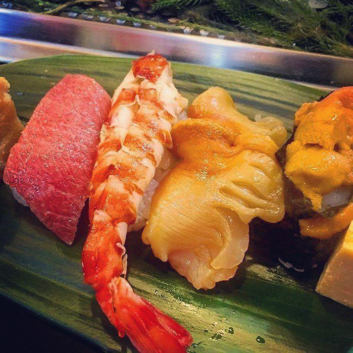 寿司食べ放題 大トロ中トロ鮑ウニイクラ鯛こはだ鰹えんがわヒラメ海老蟹アジ蛸イカシラスシラウオ穴子ほっけ貝赤貝帆立青柳数の子しゃこ 魚のげっぷが止まらなくなるまで食べた #Maguro#Earshell#Seaurchin#Salmonroe#Redsnapper#Gizzardshad#Bonito#Shrimp#Crab#Octopus#Squid#Shirasu#icefish#Congereel#Scallop#Herringroe#Squilla#Allyoucaneat#tukiji#japan#sushi by mob.cola