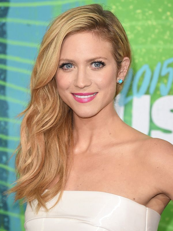 Look of the Week: Brittany Snow's Hair and Makeup at the CMT Awards http://stylenews.peoplestylewatch.com/2015/06/12/brittany-snow-cmt-awards-hair-makeup-how-to/