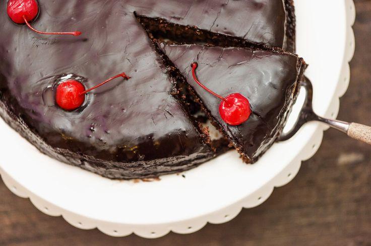 Isä on suussa sulavan suklaa-kirsikkakakkunsa ansainnut! Klikkaa tästä ohje: http://www.dansukker.fi/fi/resepteja/suklaa-kirsikkakakku.aspx?utm_source=facebook&utm_medium=nosto&utm_campaign=fb-IhanItseTehty-Pinterest #brunssi #resepti