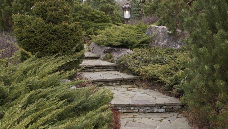 Sendstone stairs. Ступени из рваного песчаника. Санкт-Петербург, Россия. Ландшафтный дизайн СпецПаркДизайн.