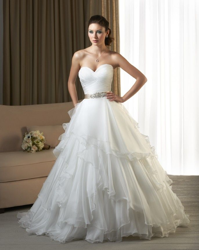 Ribbon tiered wedding dress
