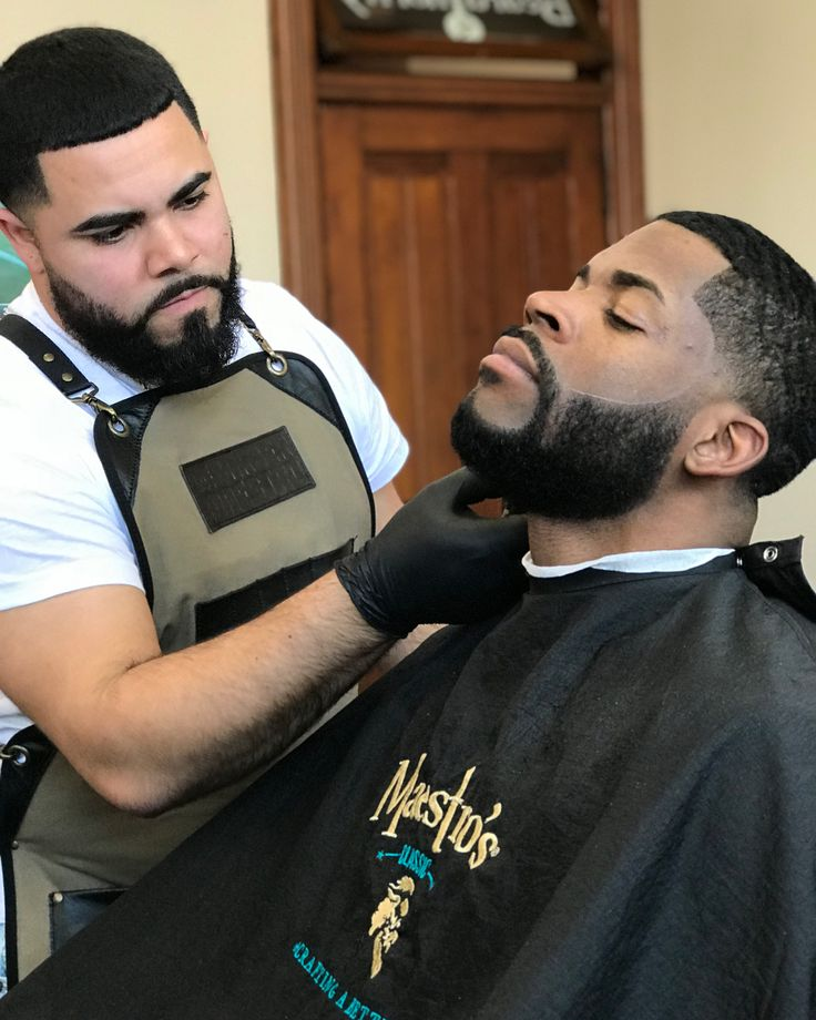 Salutes @sixers entertainment manager @darnellenrique aka Batman who stopped by @maestrosgroomingspeakeasy to get freshened up by @joelstyle1234 before heading to @nbaallstar Weekend in #losangeles  We Appreciate You BatMaestro  #beard #barber #nba #allstar #sixers #madeinusa #maestrosclassic #themaestro