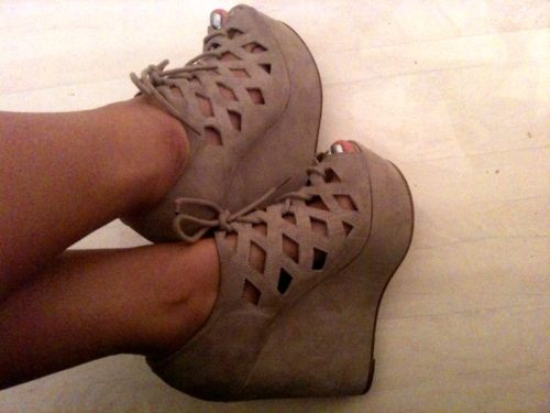 oh i love: Cutouts, Nude Shoes, Brown Wedges, Cool Shoes, Heels, Cut Outs, Lace Up Wedges, Summer Wedges, Black
