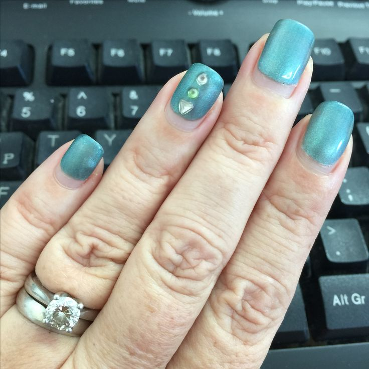 Working at my computer thinking what colour to choose next? Any suggestions? 3 1/2 weeks growth #lovebiosculpture #gel #biosculpturecyprus #biosculpturegb #paphosnails #kissonerga #pafos #biosculpturebytheresa